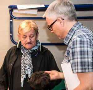 Karsten Jansfort og Tage Frandsen snakker om at give det ekstra hår lidt striber.