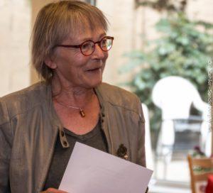 Ruth Malle fortæller til mange, at arbejdet på centret i al sin enkelhed handler om at forebygge drab.