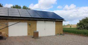 I 2013 lød forbruget på 1985 kWh, som faldt til 734 kWh i 2014.  Næste mål er, at forbruget går i nul, og det dermed dækkes af strøm produceret fra solcellerne. Foto: ProjectZero