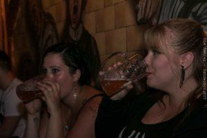 Øl er også til piger.