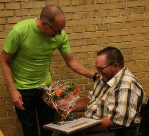 Svend Schütt fra Gråsten modtog Frivilligprisen 2014 for sit arbejde for kørestolsbrugere og gangbesværede.