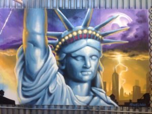 Sådan skal en frihedselskende gudinde se ud - og hun kan glæde sig over, at nogle oplever frihed.