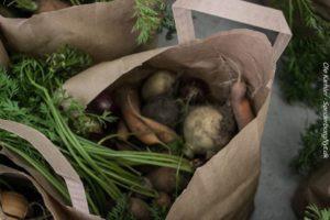 Friske, lokale, økologiske grøntsager.