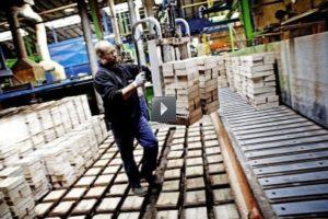 Petersen Tegl laver mursten til hele verden.