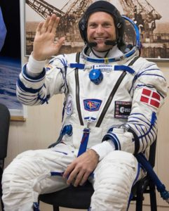 Andreas_Mogensen_dressed_in_his_Russian_Sokol_suit_804x1000