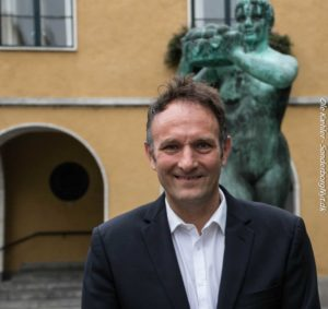 Henrik Laue Petersen møder spændende mennesker fra hele verden.