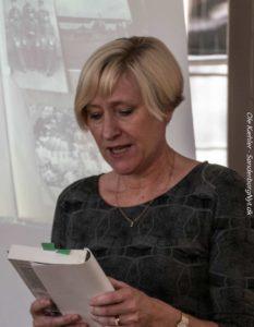 Pernille Juhl nåede også at læse lidt fra en af sine romaner.