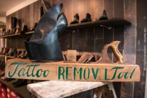 Skogalleriet kan fjerne tatoveringer helt uden brug af kemi eller laser.