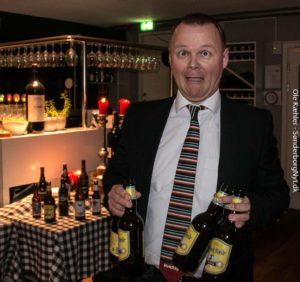 Kvicklys Karsten Hansen har fået tjans som ølslæber.