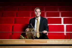 Jeppe Solløs Rasmussen fortæller om sit job i det store orkester.