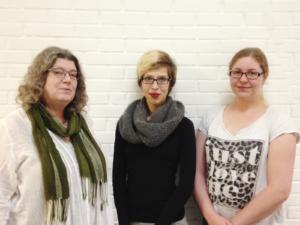 Formand for Børns Voksenvenner Elsebeth R. Poulsen, studerende Nathalie Braczek og studerende Anne Mette Sørensen fra Erhvervsakademi Sydvest.