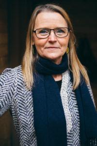 Kari Bjerke ser gerne at flere lærer at passe på sig selv gennem mindfulness.