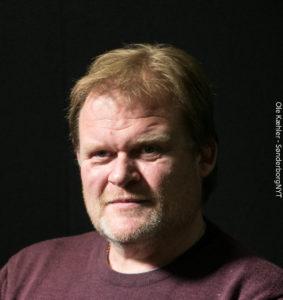 Henrik Ingwersen har noteret sig, at et bestyrelsesmedlem har vært på kant med hele tre bestyrelser.