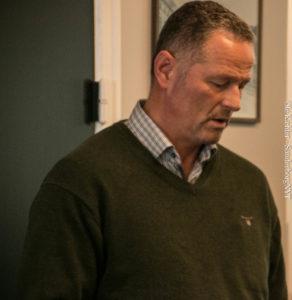 Erhvervsudvalgsformand Ole W. Stenshøj fortæller, at et enigt byråd står bag turistkontorene.