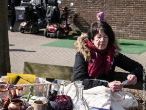 Mona Nissen Thomsen er tovholder for loppe-folkene ved Ulnæscentret.