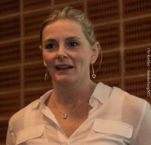 Louise Degn mener, at det giver mening at sætte deabtter i gang på virksomhedens Facebook.