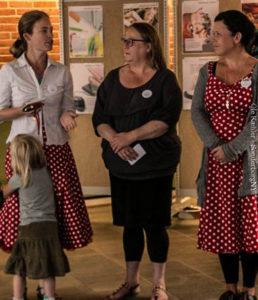 Konstitueret skoleleder Irene Birk Reinkvist, bestyrelsesformand Ingeborg Johansen og pædagog Lone Hauch Jepsen sidder ifølge forældre og tidligere ansatte på al magt på friskolen.