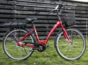 Elcykel fra MBK - Glimrende til indkøbsture og også i stand til at fragte cyklisten rimeligt bekvemt fra Alsion til Dybbøl Mølle.