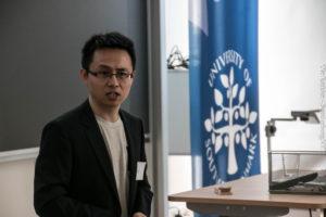 Fei Yu på den stiftende generalforsamling.