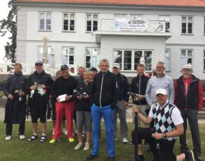 Glade præmietagere sammen med sponsor Lars Skovby, ved Skovby Als Tours afslutning i Sønderborg Golfklub. Foto: Nordborg Golf Klub
