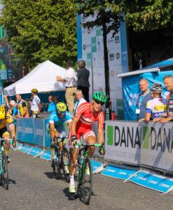 Magnus Cort i rødt kom først over målstregen.