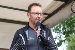 """Motionist og sundhedsformand Helge Larsen sætter pris på """"dopingfri"""" cykler."""
