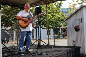 Tim Hansen ramte plet med en perlerække af de lidt ældre sange.