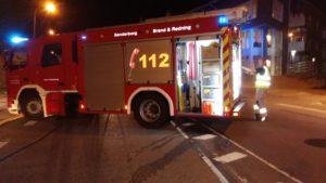 Dybbølgade blev spærret mens redningsfolk fik den 78-årige kvinde fri.